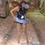 雪の中で水着コスプレしてる女の子が秋葉原にいるらしい