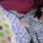 寝てる妹(18)に精子をぶっかける変態兄貴が2ちゃんねるに登場