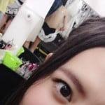 HKT48の森保まどかが楽屋で細身なメンバーの下着姿を公開