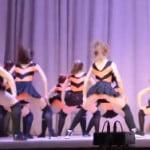 ロシアの少女の尻振りダンス、警察が捜査