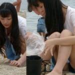 砂遊びしてる美少女の無防備なパンチラがエロ過ぎ