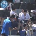 高校野球の観客席で女子高生のパンチラが激写される