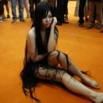 中国のコスプレイヤーがどう見ても裸に見える凄い過激なコスプレをしていた