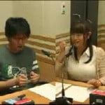 生放送のデジタルラジオ番組で竹達彩奈がむちむちオッパイを激しく揺らす