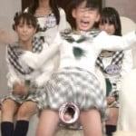 HKT48宮脇咲良が週刊AKBで処女喪失したような過激なパンチラリアクション