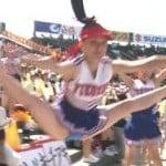 処女膜破れそうなほどお股広げちゃってる高校野球チアガールわろたw
