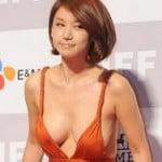 プルプルなおっぱいハミ出して超美人韓国女優が映画祭に登場