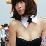 C88コミケで涼宮ハルヒバニーコスプレのお姉さんの胸パッド丸見え