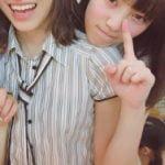AKB48楽屋の自撮りをうpしたら久保怜音のノーブラ背中が映り込んでしまう事故