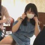 AKB48坂口渚沙が総選挙前に片脚あげて純白パンチラ晒す