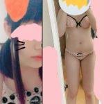 19歳がエロい脱衣してむっちり全裸になってオナニーエロ動画自撮り