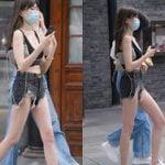 街中でダメージジーンズ履いた中国人女性のパンツが隙間から丸見えになる