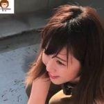 女子アナ柴田紗帆が屈んだときに貧乳胸チラして乳首を晒してしまう